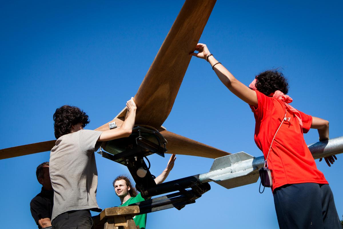 Venez apprendre construire une olienne domestique dans la drome termin - Fabriquer une eolienne ...